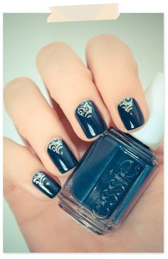 ohh dark teal Essie. love!