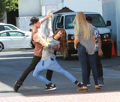 """@ZendayaMedia: Zendaya, Val, Veronica & Kamil on set of K.C. Undercover in LA (September 26th) #3 pic.twitter.com/asjJ9V71ri"" show off"