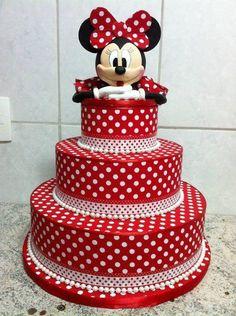 Bolo de aniversário decorado da Minnie Vermelha Mais