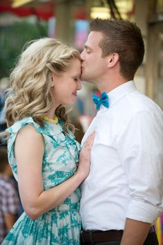 Note to fiance - kiss my forehead in front of the photographer! - Perfect for the groom who doesn't like photos! @Kally Metzler & @Tara Fisher
