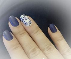 Simple easy to do flower nail art