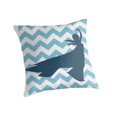 Elsa from Frozen silhouette on Chevron pillow by My Heart Has Ears Diy Pillows, Cushions, Throw Pillows, Frozen Silhouette, Fleece Crafts, Art Projects, Sewing Projects, Diy Dorm Decor, Chevron Pillow
