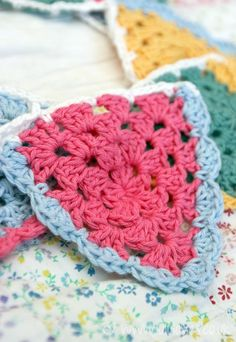 Crochet Bunting - Granny Triangle...oh em gee!!! I love this!!!! We love banners and bunting.  :-)