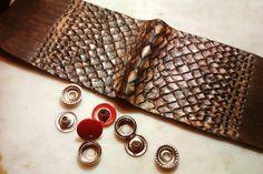 #leatherwork #Leathercraft, #leather #products, #leather #Кожа, #изделия из #кожи, #тиснение на #коже, #браслет