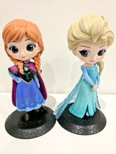 """New figurines, Q Posket Anna and Elsa from Frozen! I have no idea. Disney Princess Doll Collection, Disney Princess Dolls, Disney Dolls, Cute Disney, Disney Art, Chibi Disney, Cute Cartoon Girl, Polymer Clay Figures, Disney Figurines"