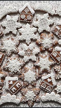 Christmas Sugar Cookies, Christmas Sweets, Christmas Mood, Christmas Goodies, Holiday Cookies, Gingerbread Cookies, Holiday Baking, Christmas Baking, Christmas Gingerbread House