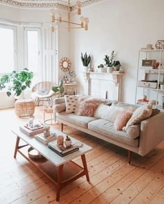 – A mix of mid-century modern, bohemian, and industrial interior style. Home and – A mix of mid-century modern, bohemian, and industrial interior style. Home and… Living Room Inspiration, Home Decor Inspiration, Decor Ideas, Decorating Ideas, Decorating Websites, Interior Decorating, Style Inspiration, Boho Living Room, Blush Living Room