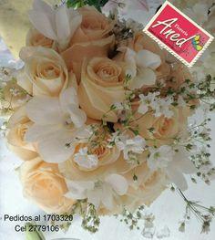 Ramo con rosas y orquideas dendrobium