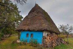 fairytale house in Mramures Fairytale House, Medieval Peasant, Medieval Fortress, House Doors, Mountain Homes, Landscape Pictures, Color Of Life, Country Life, Country Houses