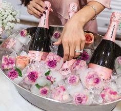 New Ideas Champagne Brunch Wedding Reception Drinks Birthday Brunch, 35th Birthday, Wedding Brunch Reception, Drinks Wedding, Party Wedding, Wedding Ideas, Champagne Bar, Champagne Ice Bucket, Bubbly Bar