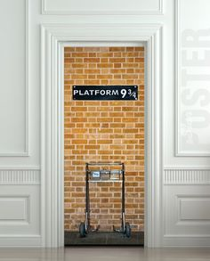 Harry Potter Platform 9 3/4 Wall Door sticker. Brilliant!