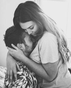 Romantic Couple Kissing, Couple Romance, Romance And Love, Hugs And Kisses Couples, Hugs And Cuddles, Romantic Couples Photography, Couple Photography Poses, Cute Love Couple, Boyfriends