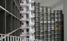 As escadas de emergência do edifício Copan só podem ser vistas pela face posterior do edifício. O prédio de concreto armado da década de 1960 foi projetado por Oscar Niemeyer.  Fotografia: Tuca Vieira/Folha Imagem.