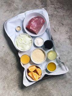 Ingredientes de redondo de ternera con naranja. Prepáralo de manera sencilla en olla rápida. #deliciosspanishfood #ternera #manzana #redondo #recetadeternera #receta #recetafacil #recetasana #recetarapida #roundveal #carne #recetanavideña #christmasrecipe Spanish Food, Carne, Pudding, Desserts, Recipes, Caldo De Pollo, Almonds, Food Blogs, Orange