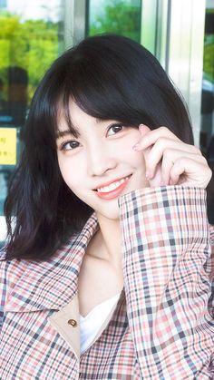 twice ♡ momo Sweet Girls, Cute Girls, Cool Girl, My Girl, Nayeon, South Korean Girls, Korean Girl Groups, K Pop, Sana Momo