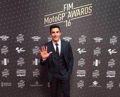 Preparados para que empiece la gala de @MotoGP! Ready for the start of the FIM #MotoGP Awards! #GiveMe5 #fimmotogpawards #FIM