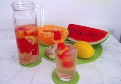 eau DETOX à la pastèque et melon WW, une boisson fraîche vitaminée à base de fruits infusés dans de l'eau, pour s'hydrater et nettoyer le corps.