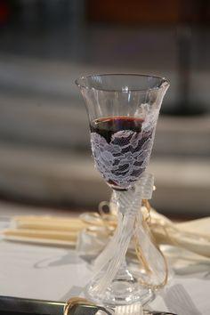 Ποτήρι Κρασιού για το ζευγάρι... Flute, Wedding Events, Champagne, Tableware, Dinnerware, Tablewares, Flutes, Dishes, Tin Whistle