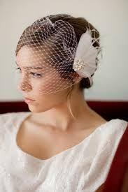 Resultado de imagen para tocados para novias de pelo corto