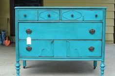 Primitive & Proper: Bright Turquoise Dresser- love that color!
