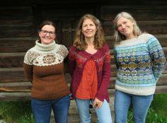 Ann, Tori og Wenche i tre av Toris gensere: Tuin, Åh, jeg veit en seter og Next Year in Lerwick.