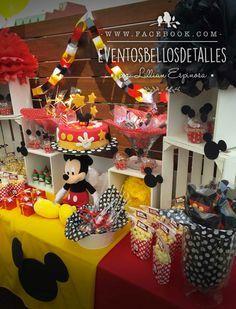 Candy bar Mickey Mouse party Mesa de dulces http://www.facebook.com/eventosbellosdetalles