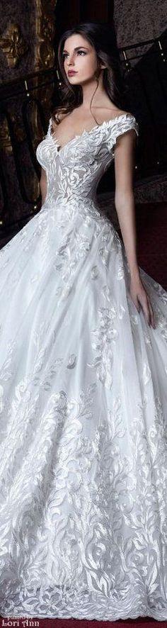Toumajean Couture Bridal Spring 2016 - Deer Pearl Flowers / http://www.deerpearlflowers.com/wedding-dress-inspiration/toumajean-couture-bridal-spring-2016/