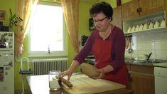 Így készül a mézeskalács Hungarian Recipes, Mens Tops, Youtube, Cookies, Crack Crackers, Biscuits, Cookie Recipes, Youtubers, Cookie
