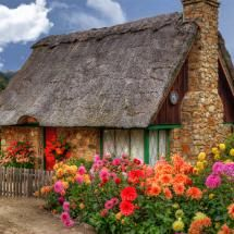 in a cottage like this, in a town like that... wouldn't life be just perfect :)