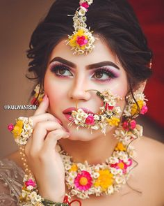 No amount of diamonds and polkis can do justice to a bride the way floral jewellery does, . It is a rite of passage that completes her… Bridal Mehndi Dresses, Bridal Outfits, Wedding Dresses, Flower Jewellery For Mehndi, Flower Jewelry, Henna, Haldi Ceremony, Indian Bridal Makeup, Wedding Makeup