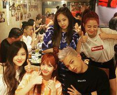 Blackpink e Taeyang Yg Entertainment, South Korean Girls, Korean Girl Groups, K Pop, Jenny Kim, Yg Artist, Blackpink Members, Blackpink Photos, Blackpink Fashion