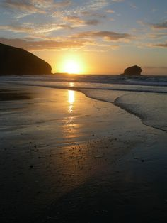 Sunset at Portreath beach, Cornwall. - Imgur