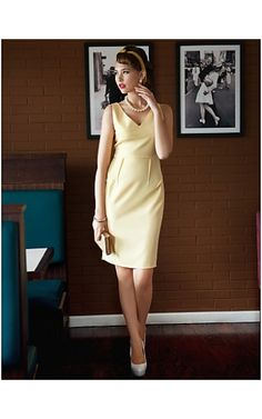 TS Deep V Neck Bodycon Dress , lots of vintage style dresses you can pick, take a  look at queen-dresses.com now Fall Dresses, Dresses For Work, Frocks And Gowns, Female Style, Queen Dress, Mbs, Vintage Style Dresses, Fitness Inspiration, San Diego