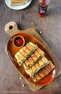 Grilled Corn and spinach sandwich recipe with step by step photos .I always look for various sandwich recipes as they are filling and ca. Spinach Appetizers, Appetizer Recipes, Snacks Recipes, Easy Recipes, Corn Sandwich, Baked Plantains, Vegetarian Sandwich Recipes, Chaat Recipe, Food Menu