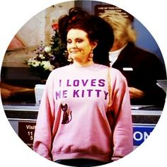 I love me kitty//need this sweatshirt! @Krishna Kulkarni