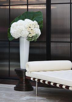 Floral: Jackson Durham #jacksondurham #modern #sliced #whitehydrangea