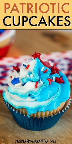 4th of July cupcakes are the perfect sweet treat for your holiday celebration! These red, white and blue patriotic cupcakes will add a fun and festive touch to BBQs, backyard parties, and picnics. An easy cupcake recipe made with simple pantry staples. Kids will love to help with making and decorating to create their own 4th of July dessert and Memorial Day cupcakes! Click thru to get this awesome cupcake recipe!! #4thofJulycupcakes #cupcakes #fourthofjuly #july4th #july4threcipes 4th Of July Desserts, Fourth Of July Food, Great Desserts, Party Desserts, Holiday Desserts, Delicious Desserts, July 4th, Holiday Recipes, Easy Potluck Recipes