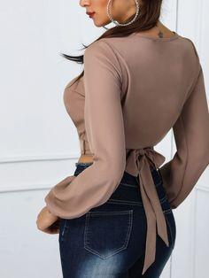 boutiquefeel / Cutout Front Knot Back Crop Blouse Side Slit Shirt, Trend Fashion, Fashion Design, Vetement Fashion, Crop Blouse, Womens Fashion Online, Blouse Designs, Crop Tops, Clothes For Women