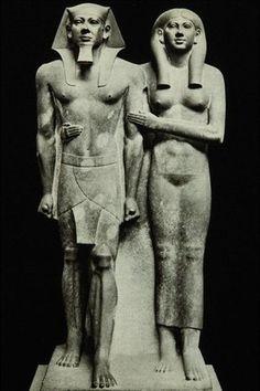 EGIPT: faraon Mykerinos z małżonką