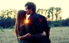 10 Romantic Things Which Will Make Your GIrlfriend's Day Better - Fashion Array Types Of Photography, Couple Photography, Beach Photography, Loving A Woman Quotes, Girlfriends Day, Forehead Kisses, Best Love Songs, Gemini Man, Aries
