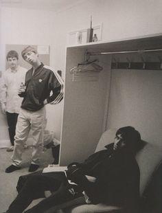 Guigsy Noel Liam Lennon Gallagher, Liam Gallagher Oasis, Noel Gallagher, Liam Oasis, Football Music, Oasis Music, Liam And Noel, Oasis Band, Britpop