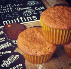 Y que mejor que despedirse con unos muffins de zanahoria  Una feliz noche para todos!!! #brownieriamorenobrownie#brownieriaambulante#productoshorneados#baking#repostería#reposteríaartesanal#artesano#love#sweet #mood#saturday #coffetime#happyme #homebaking#homemadefood#muffins#carrot#food#foodbike#bike#emprendedores#ideas#motivation #goodnight#bogotá