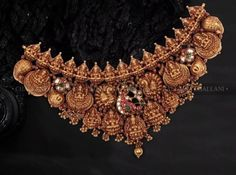 Jewellery Designs, Necklace Designs, Antique Gold, Antique Jewelry, Collar Necklace, Gold Necklace, Gold Temple Jewellery, Bridal Jewelry Sets, Unique Earrings