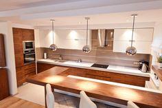Image result for kuchnia nowoczesna biało drewniana