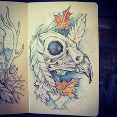 .Vogel skull tattoo, blaadjes vervangen door bloemen.