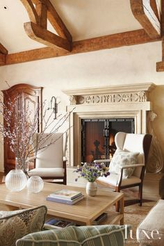 Combination of natural materials and architectural details