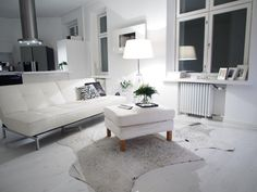 Stunning decor and not only because of white,it really blowed me away at first sight. #decor