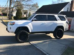 The setup you must see! Suv Trucks, Toyota Trucks, Toyota Cars, Jeep Truck, Toyota Vehicles, Lifted 4runner, Toyota 4runner Trd, Toyota Trd Pro, Toyota Tacoma
