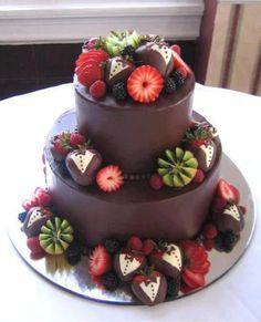 Torta de chocolate con smokings de frutas para hombres   Ideas Deco - Tortas