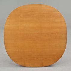 """BORD, """"Supercirkel"""", Piet Hein och Bruno Mathsson för Mathsson International på licens för Fritz Hansen, 1900-tal."""
